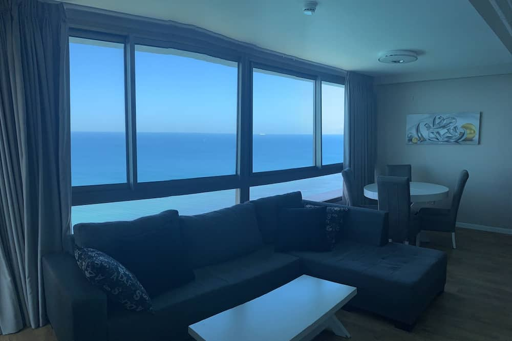 Panoramic Apartment, 2 Bedrooms, Sea View, Overwater - Living Area