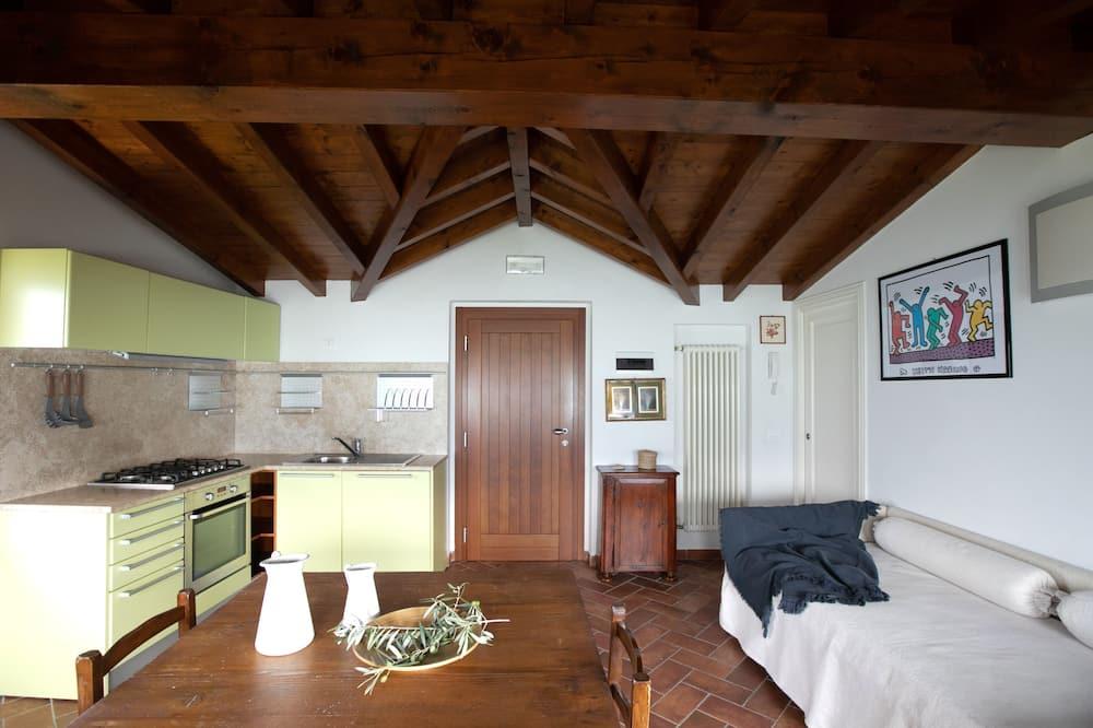 Külaliskorter, 1 magamistoaga (La stallina attico) - Elutuba
