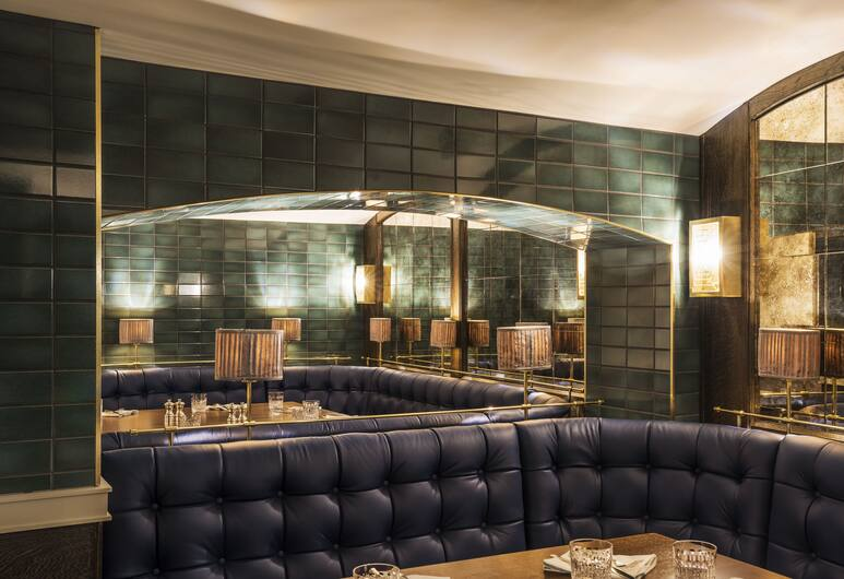 Sloane Place, London, Hotel Bar