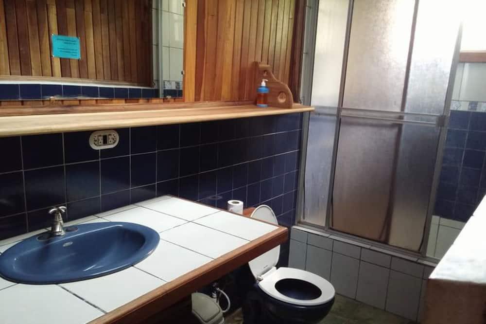 Double Room, 2 Twin Beds, Non Smoking - Bathroom