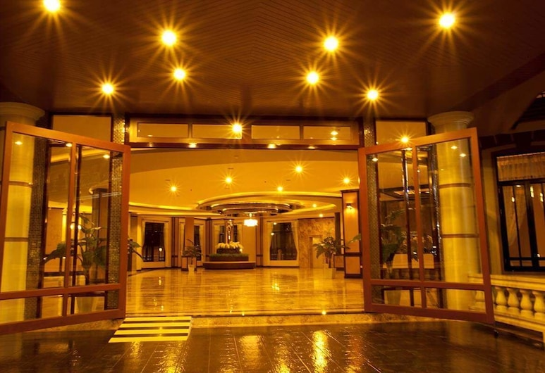 J & Y Lodge Hotel, Chonburi, Hotel Entrance
