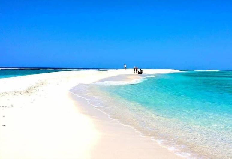 La Villa Mahafaly, Isla de Santa María, Playa