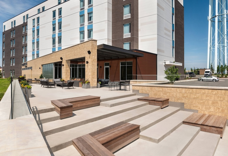 SpringHill Suites by Marriott Milwaukee West/Wauwatosa, Milwaukee, Exterior