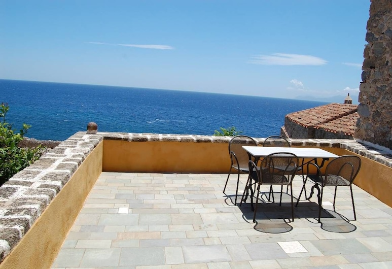 Goulas Traditional Guesthouse, Monemvasia, Junior Suite, 2 spavaće sobe, balkon, pogled na more, Balkon
