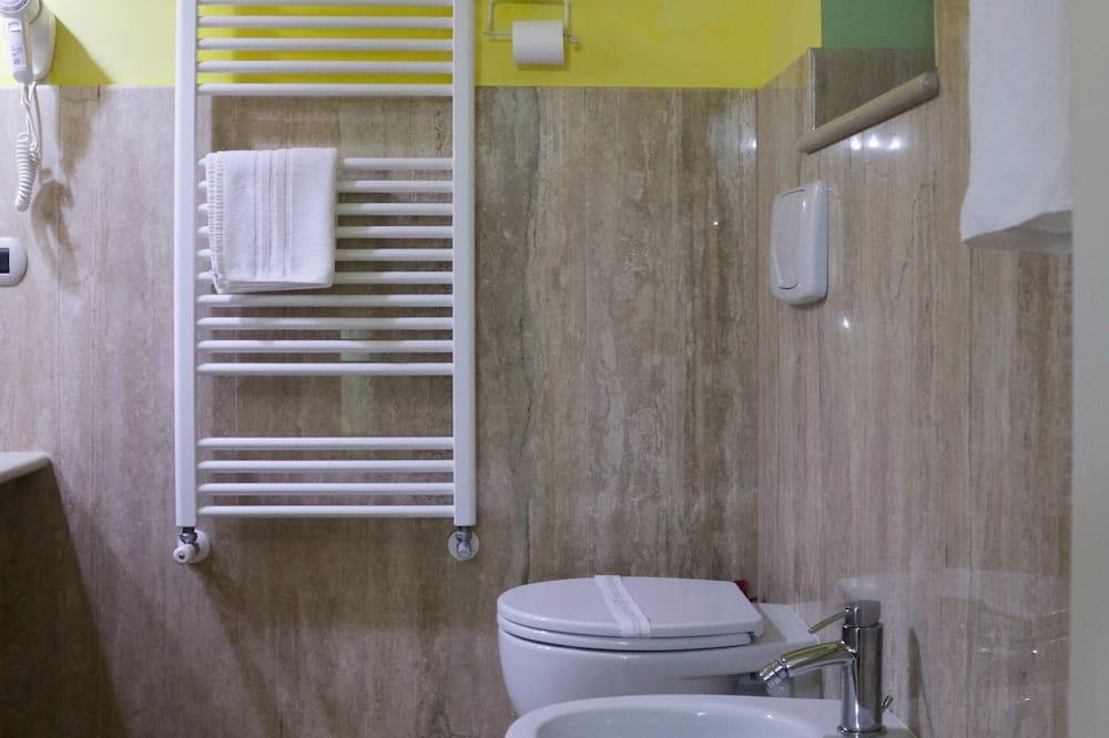 Comfort Single Room, City View - Bathroom