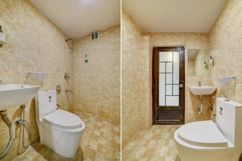 Pokój dwuosobowy typu Deluxe, Łóżko podwójne, przystosowanie dla niepełnosprawnych, dla palących - Łazienka