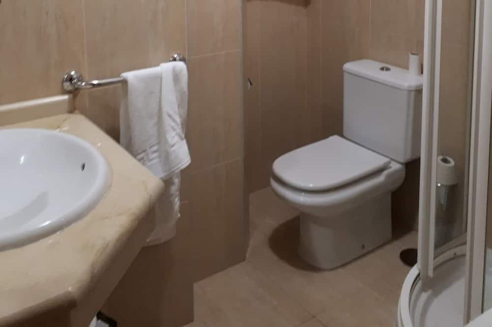 Δίκλινο Δωμάτιο (Twin), Μπαλκόνι - Μπάνιο