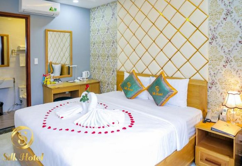 Silk Hotel, Ho Chi Minh City, Deluxe Double Room, Guest Room