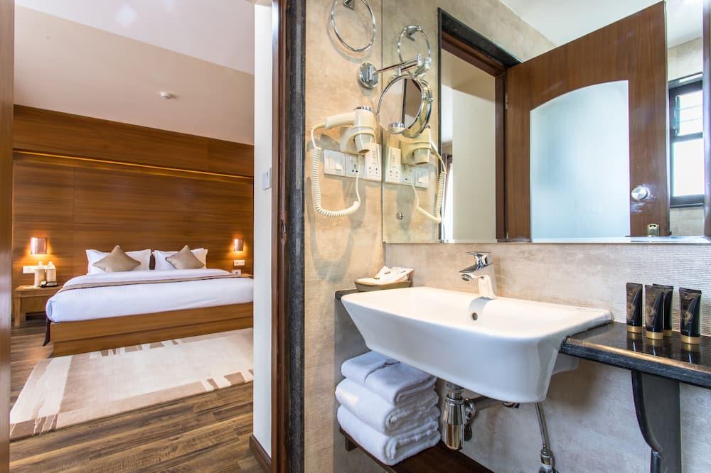 普通套房 - 浴室