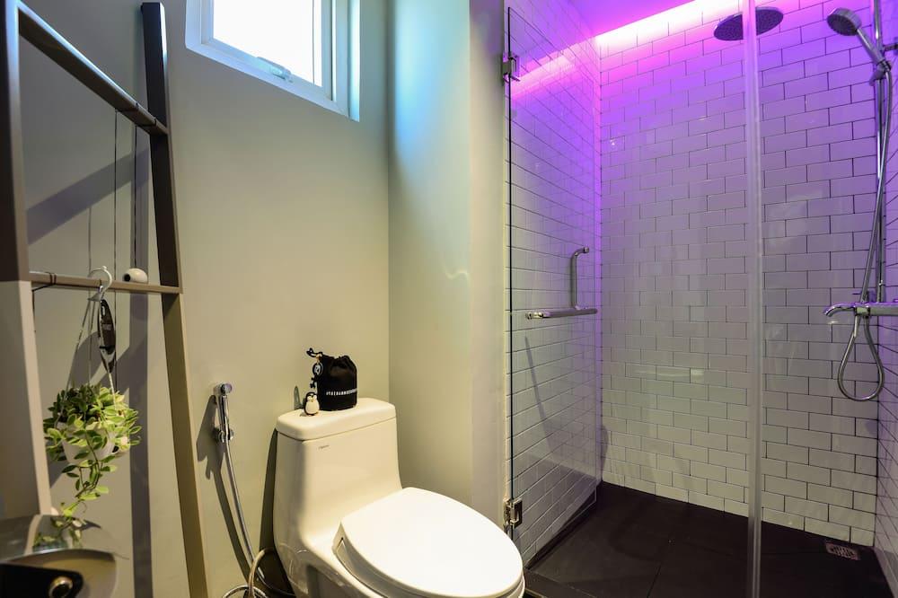 Liukso klasės dvivietis kambarys (2 viengulės lovos) (Nest) - Vonios kambarys