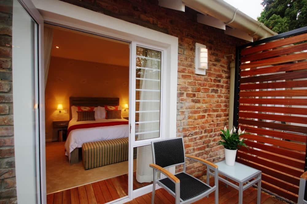 Double Room, 1 Queen Bed, Ensuite (Queen Room) - Courtyard View
