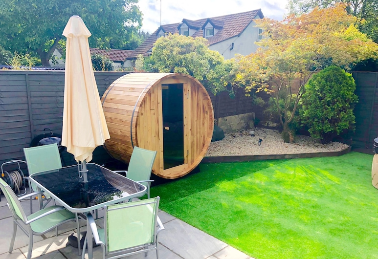 Bournemouth Holiday Let With Hot Tub & Sauna, Bournemouth, Garden