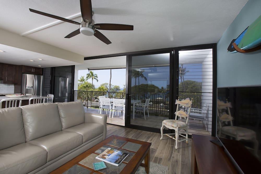 Condo, 2 Queen Beds, Balcony, Ocean View - Living Room