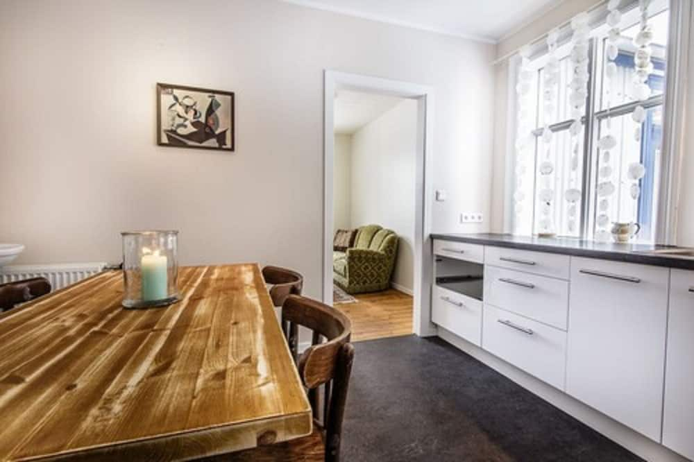 Twin Room, Shared Bathroom (Small) - Shared kitchen