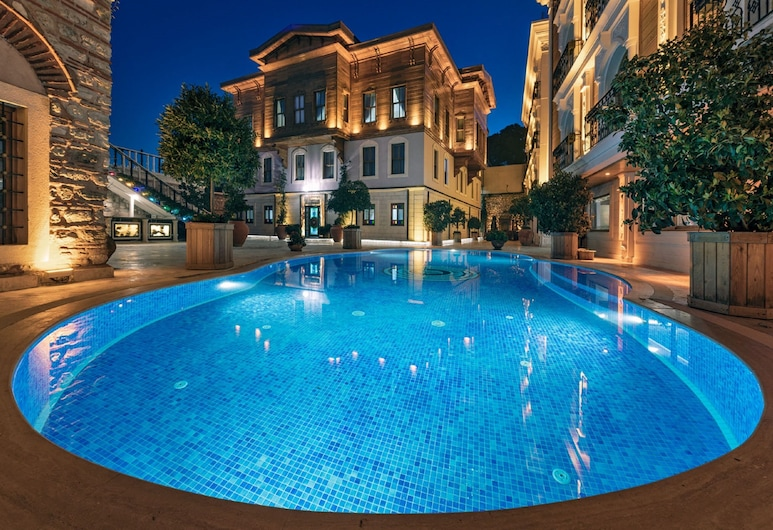 Seven Hills Palace & Spa, Stambulas, Lauko baseinas
