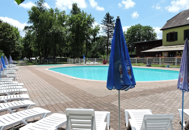 Camping Les Lupins, Seppois-le-Bas, Piscina