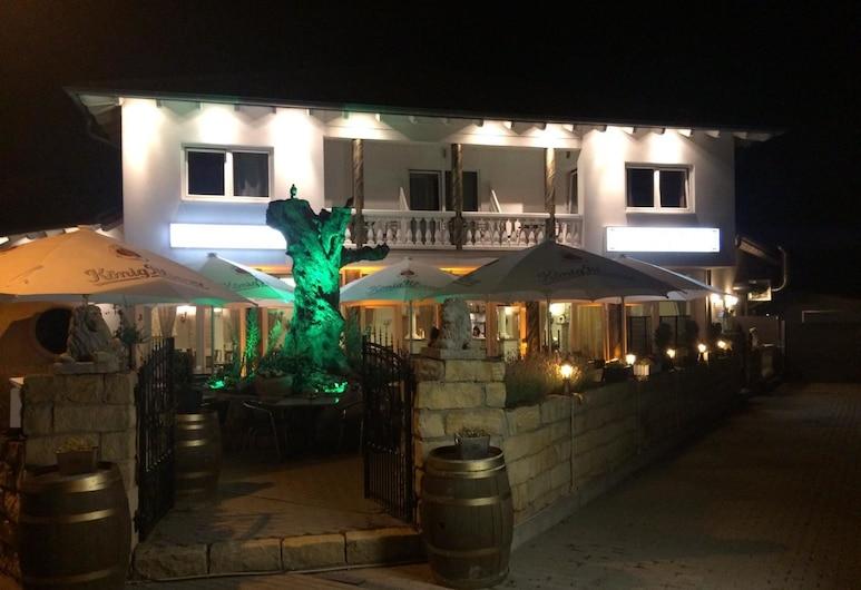 Hotel Restaurant Artemis, Weisenheim am Berg