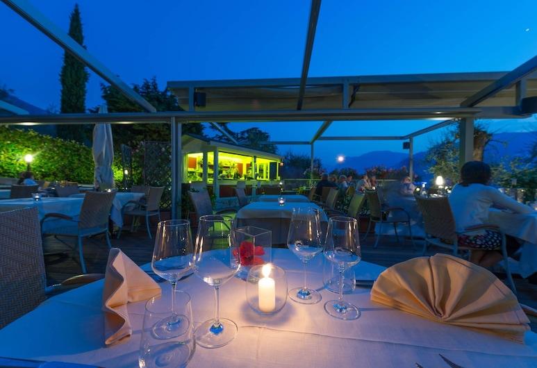 Hotel Baia Verde, Malcesine, Khu ẩm thực ngoài trời