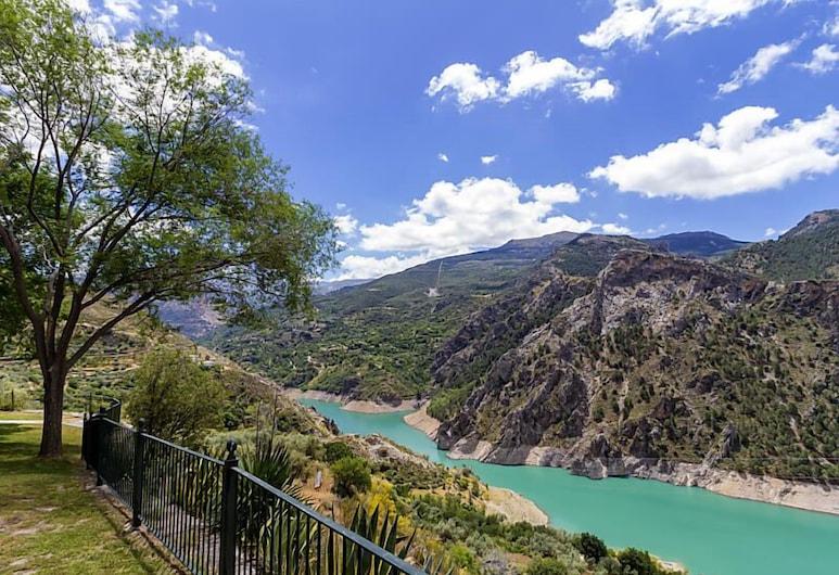 Kampaoh Granada Las Lomas, Guejar Sierra, Garten