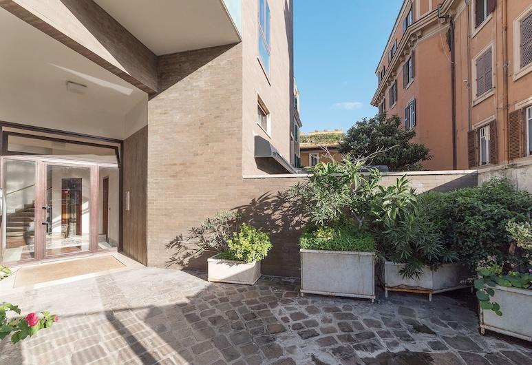 托洛尼亞尊爵頂層房酒店, 羅馬, 住宿入口
