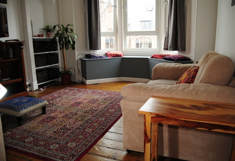 Holmhead Place, Glasgow, Standard Apartment, 1 Bedroom, Living Room