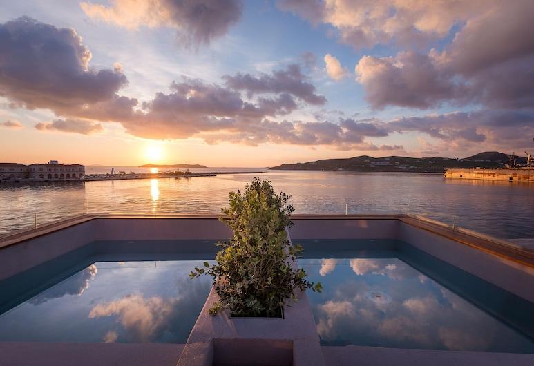 Shapes Luxury Suites, Сірос, Тераса/внутрішній дворик