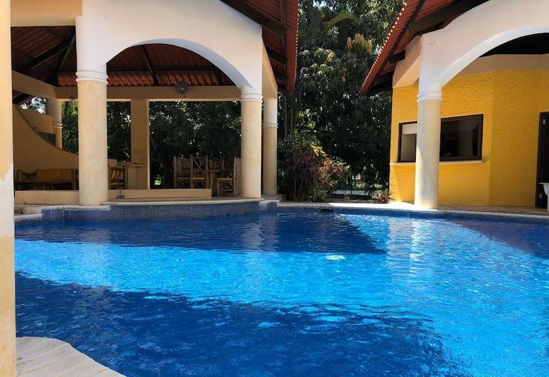 海洋之家 LK001 飯店, 庫特左港, 室外游泳池