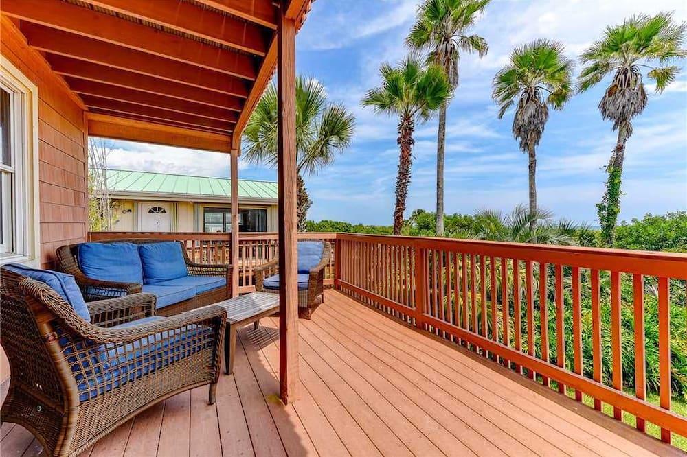 Going Coastal Beach House - Four Bedroom Home