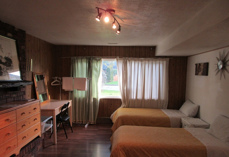 Quite house near Vancouver Airport, Richmond, Quarto Quádruplo Familiar, várias camas, Vista para o Pátio, Vista do quarto