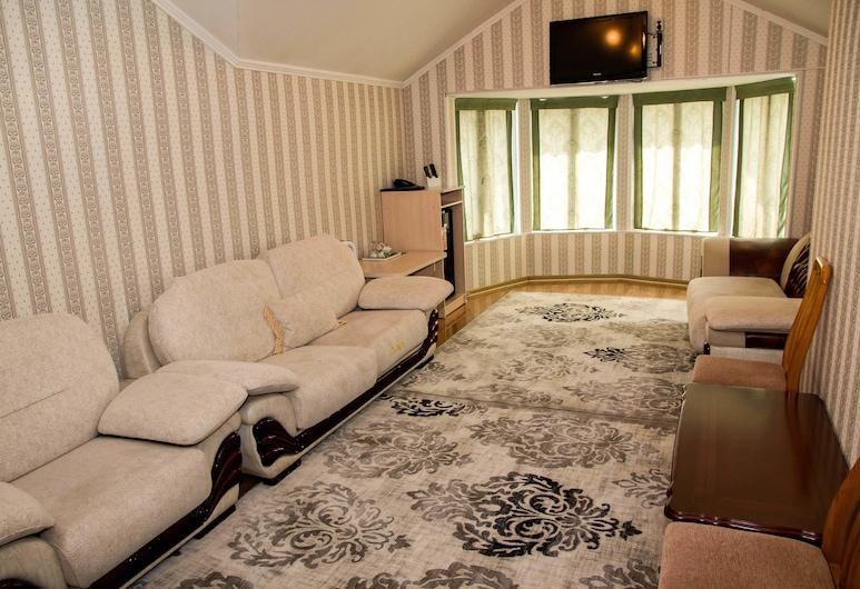 SunRise Guest House, Osh, Luxury Suite, Guest Room