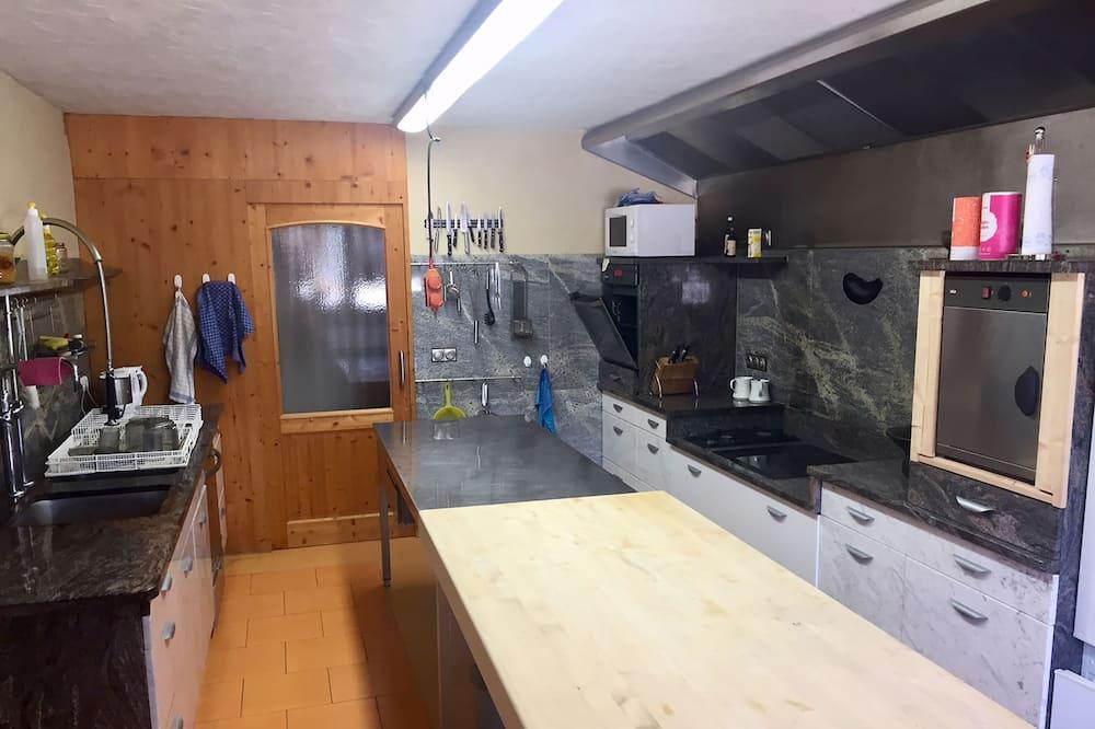 Kahden hengen huone - Jaetut keittiötilat