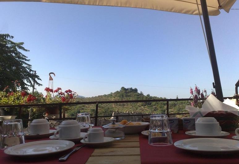 Locanda di Cadì, Petralia Soprana, Khu ẩm thực ngoài trời