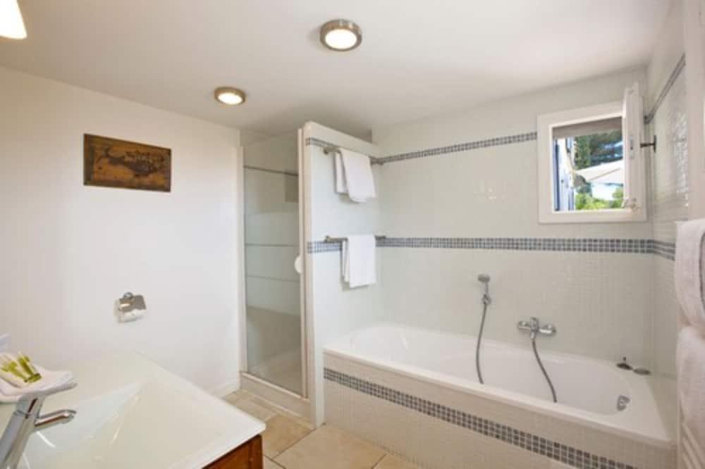 Double Room, Terrace, Sea View (Libeccio) - Deep Soaking Bathtub