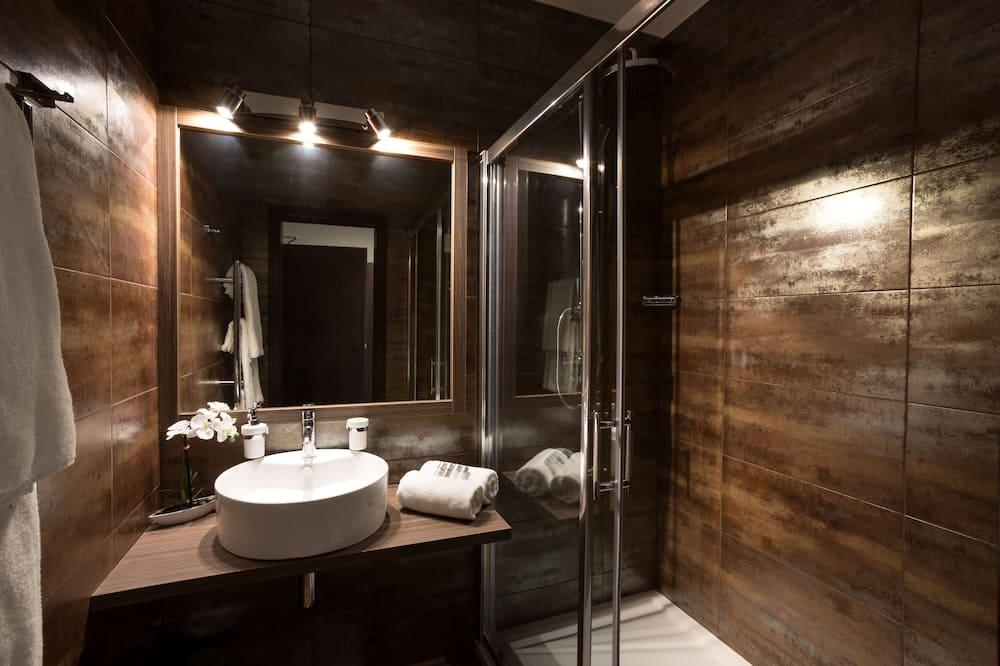 Deluxe Δίκλινο Δωμάτιο (Double), 1 Queen Κρεβάτι - Μπάνιο