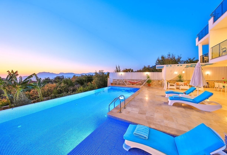 Villa Gunbatimi, Kas, Vonkajší bazén