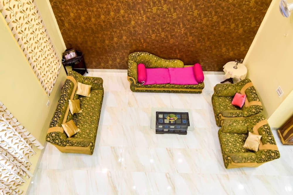 Oda, 1 Çift Kişilik Yatak, Sigara İçilmez - Oturma Alanı