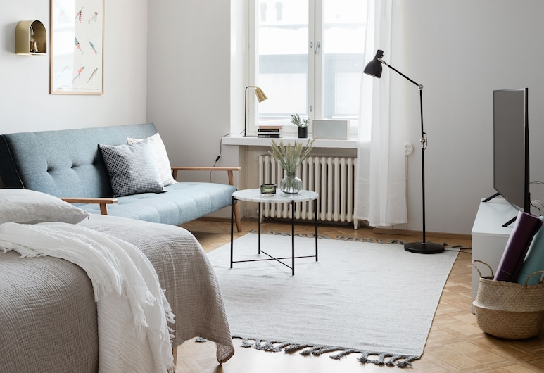 Central 2-Bedroom Design Apartment, Helsingi, Design külaliskorter, 2 magamistoaga, köögiga, vaade siseõuele, Lõõgastumisala
