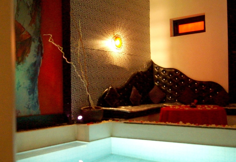 Villa With 6 Bedrooms in Marrakesh, With Indoor Pool, Furnished Terrace and Wifi, Marrakech, สระว่ายน้ำ