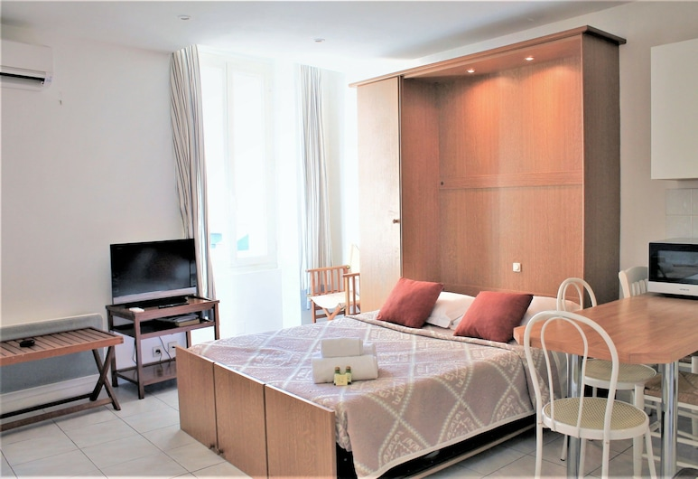 Central Studio with 2 Double Beds, Cannes