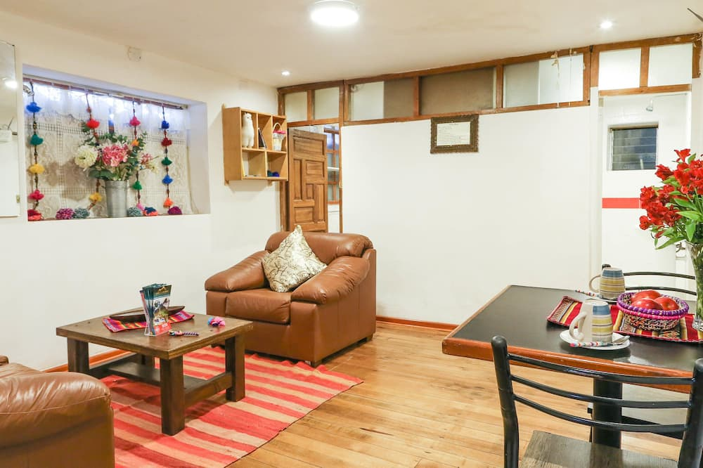 Apart 1 - Living Room