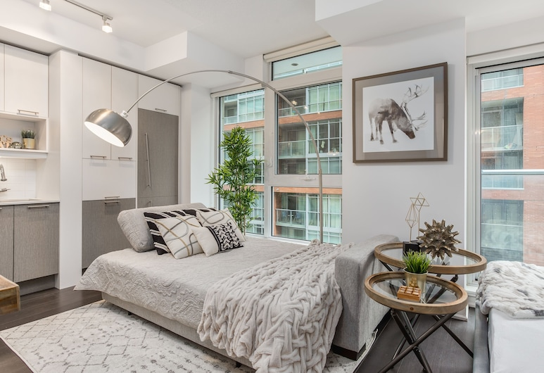 QuickStay - Classy & Rustic Downtown Condo, Toronto, Apartment (1 Bedroom), Guest Room