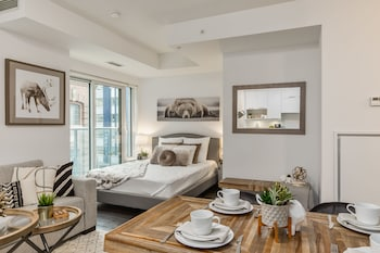 Obrázek hotelu QuickStay - Classy & Rustic Downtown Condo ve městě Toronto