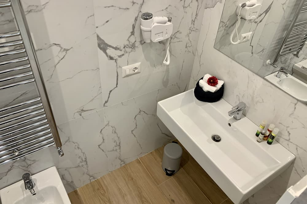 Royal-dobbeltværelse (Via L. Festa Campanile,16 - 1st Floor) - Badeværelse