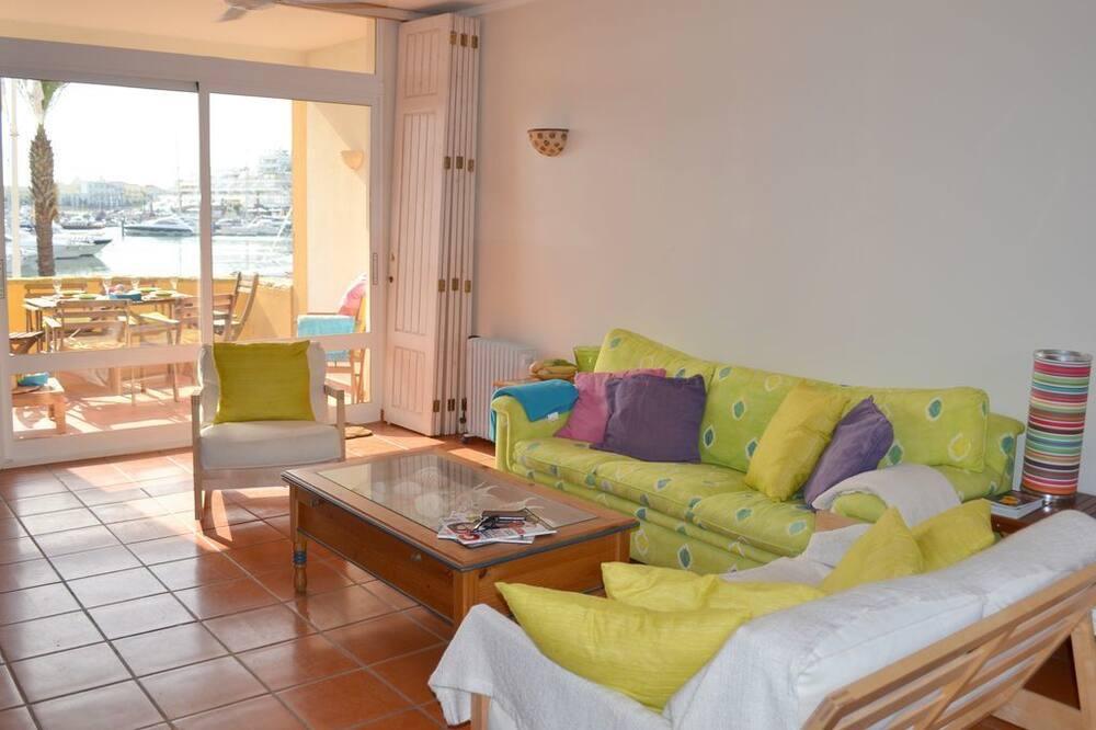 דירה, 2 חדרי שינה, טרסה, נוף למרינה - סלון