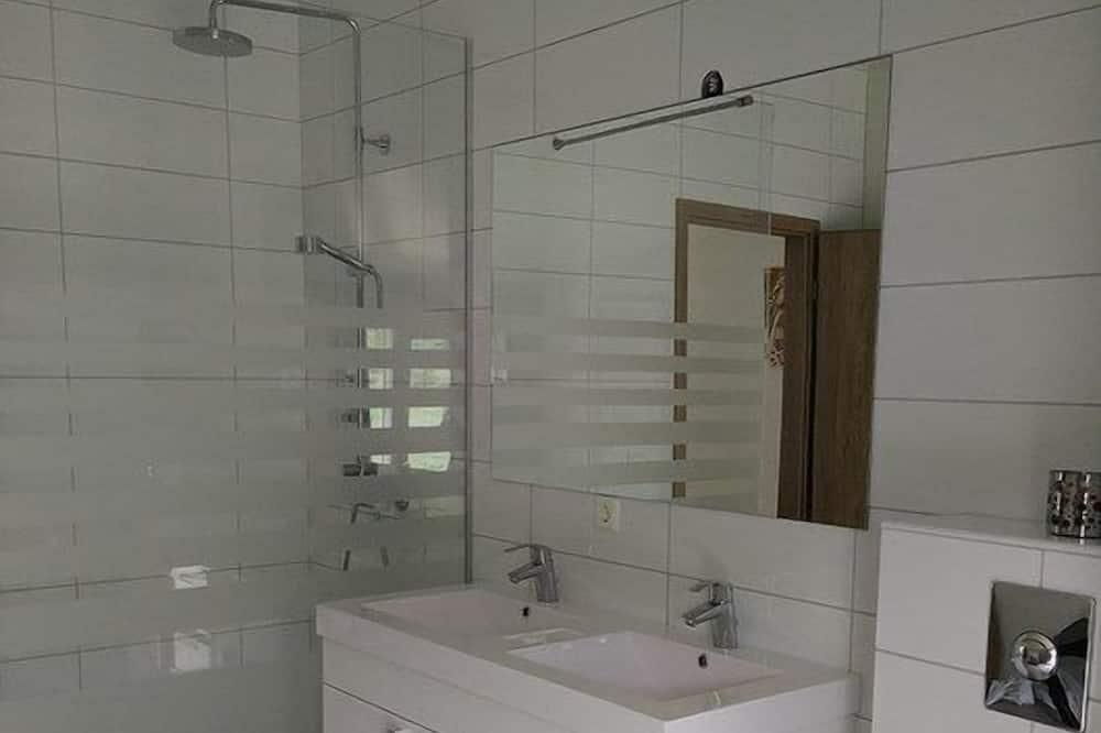 Departamento, 2 habitaciones, vista al mar (02) - Baño
