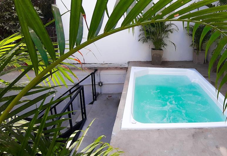 桑圖雅里歐卡塔赫納青年旅舍, 喀他基那, 室外 SPA 浴池