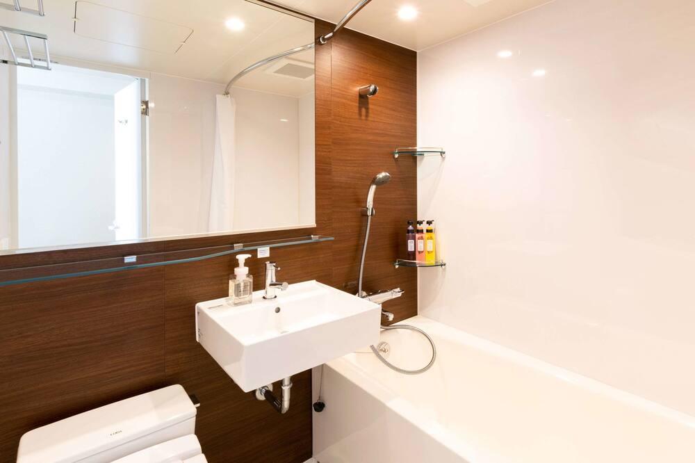 Standard Room, 2 Twin Beds, Non Smoking - Bathroom