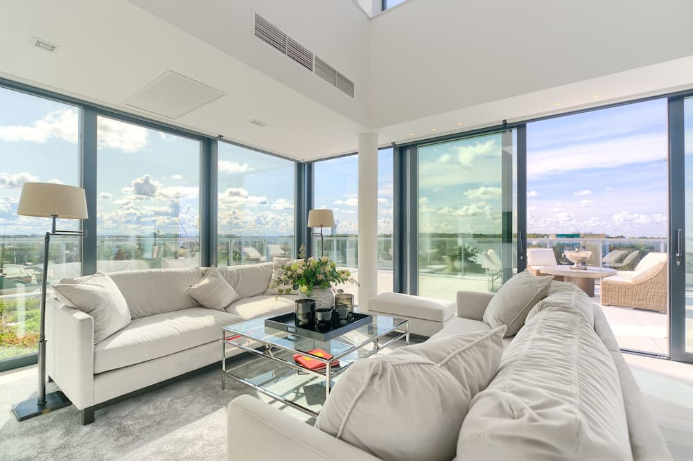 Exclusive Penthouse, 2 Bedrooms, Sea Facing - Living Area