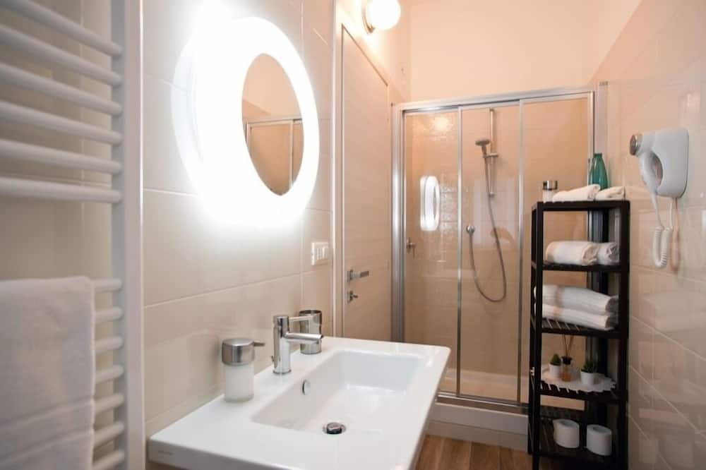 Habitación triple Deluxe - Cuarto de baño
