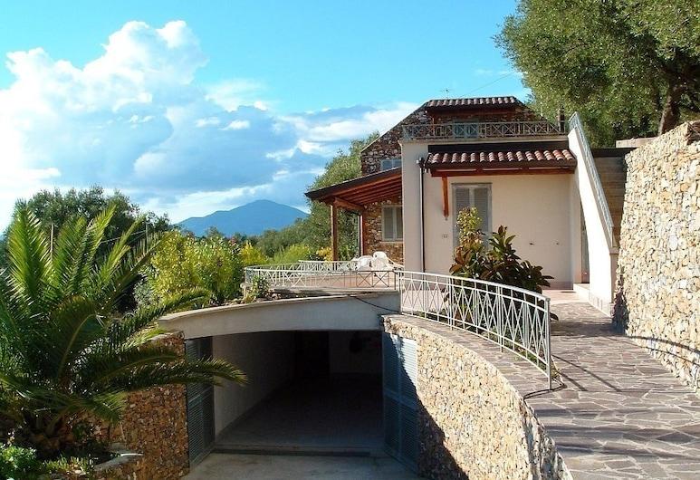 Villa Sarolli, Ascea